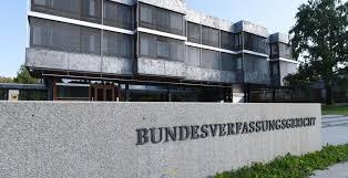 La decisione della Corte Costituzionale tedesca come spinta verso una gestione solidale del debito europeo? Ai posteri l'ardua sentenza.